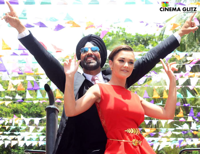 CinemaGlitz-Singh-Is-Bling-Movie-Review-02