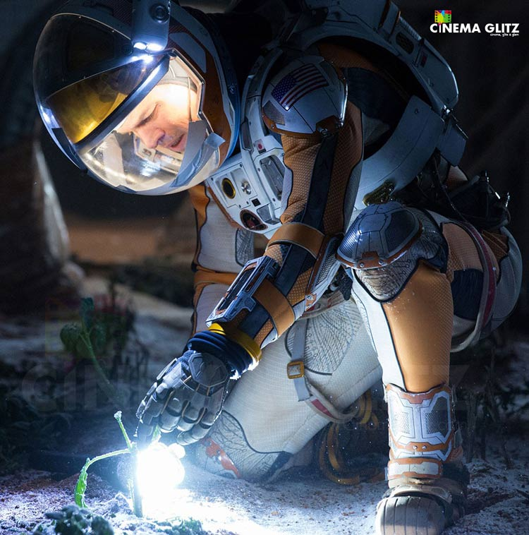 CinemaGlitz-The-Martian-Movie-Review-02